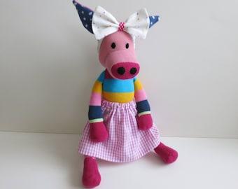 Handmade stuffed toy//fabric pig//gift for girls//socks animal//stuffed animal pig//Biostofftier
