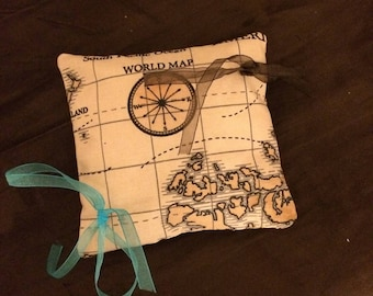 Travel theme cushion