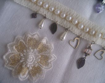 TEXTILE NECKLACE * romantic and shabby