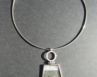 Crew neck in silver and fabric jewelry