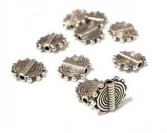 X 2 metal beads flat 9.5 mm