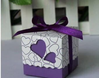 Set of 10 boxes has purple heart dragees