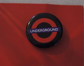 2.5 CM LONDON LONDON UNDERGROUND BADGE