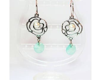 Demi-perle rosette earrings
