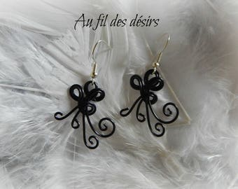 Black colored aluminum Wire Earrings