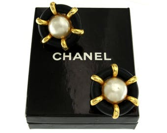 CHANEL earrings gold plated Authentic RARE Vintage Yellow Pearls 80 Years Clips Chanel jewelry
