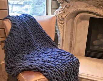 Super Fluffy Arm-Knit Multicolor blanket