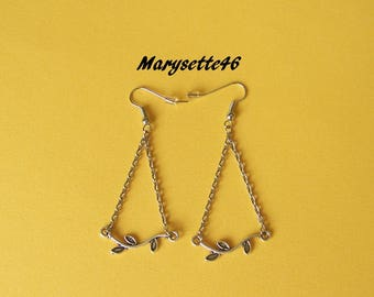 """Simple """"twig"""", chains and silver plated metal earrings"""