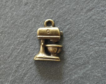 1 charm antique bronze pendant 14 x 10 mm food processor