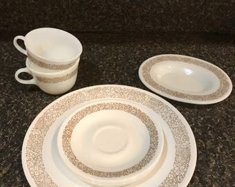 Pyrex Gold Floral Dinnerware 8 piece set