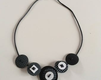 Round and square necklace black and white
