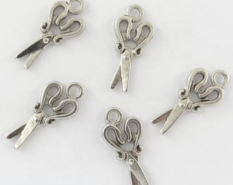 10 bc091 antiqued silver-plated scissors charms