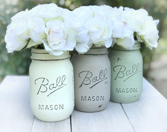Painted jar buttercream, lichen green, taupe.  Distressed Ball Mason jar hostess gift, garden rustic, shabby chic, cottage decor centerpiece