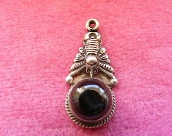 E) Vintage Sterling Silver Charm Zodiac Scorpio Scorpion with onyx