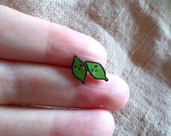 Tiny Leaves, Leaf Earrings, Kawaii Leaf, Tiny Studs, Leaf Studs, Leaf jewelry, Green leaf, Cute Leaf, cute earrings, green stud earrings