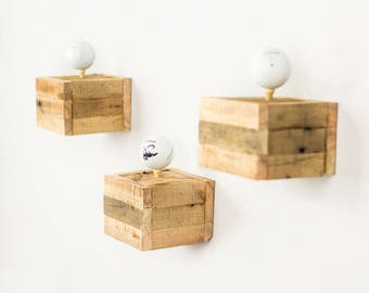 """Floating """"Tee"""" Boxes"""