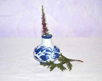 "Gzhel Russian Porcelain Figurine,Porcelain figurine ""Jag"",Gzhel hand made,Hand painted Souvenirs,Ceramic figurine,Home Decor,Collectible"