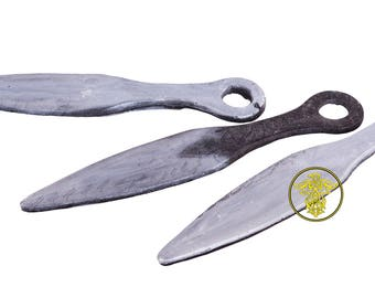 throwing knives . set of 5 pieces. foam.