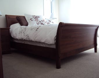 Solid wood queen  sleigh bed