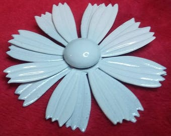 Vintage White Daisy Metal Brooch