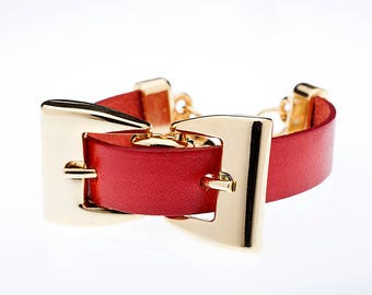 Italian leather Bracelet with two buckles Gold Finish with Ferrules In Zamak. M-176-O