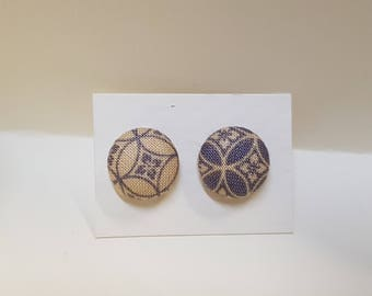 Button earrings in cotton, 12 mm