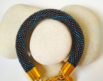 Bracelet with blue stripe