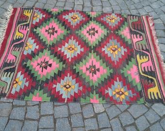 """Handmade kilim rug,104x143cm 41""""x56"""",Turkish kilim rug,Anatolian kilim rug,vintage kilim rug,tribal kilim rug, Handmade kilim rug"""