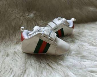 93e8ea24881 Gucci x Adidas Originals NMD R1 BY1912 YeezyMark Ann Breen