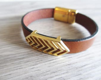 Chevron cognac leather bracelet gold JEN