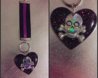 Skull heart keychain