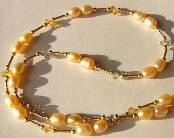 Chain Freshwater pearls, pearl and Songea sapphire/sapphire, gold filled