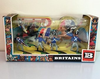 Old box of miniature soldiers brand Britains (nr 7955)