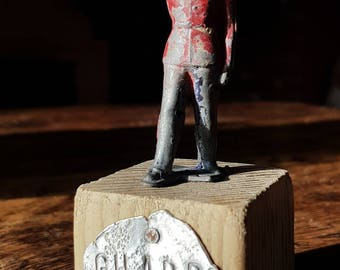 Lead figure Guardsman miniature vintage Army soldier mounted on driftwood