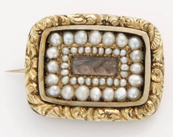 Yellow gold and Pearl Brooch