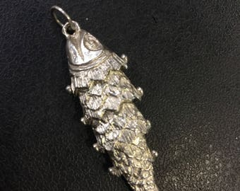 Silver articulated fish pendant