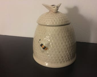 Vintage Honeybee jar for honey