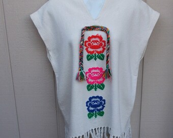 Vintage Ivory Woven Tunic with Embroidered Flowers / Guatemala or Mexico Shirt Cotton Surfer Hippie Beach Tunic 70s unisex TOP