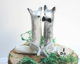 Wolf Love Cake Topper, White and Gray Wolves, READY TO SHIP, Wolves Cake topper, Bride and Groom Wolf, Wolves Wedding topper, Wolf Sculpture