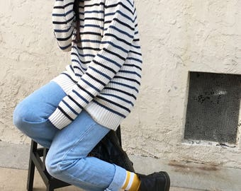 Vintage 90s navy n cream striped knit