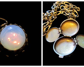 Beneath the Moonglow - Vintage 4 Picture Locket Necklace