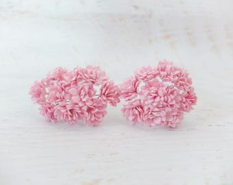 20 20mm pink paper flowers with wire stems - 2 cm