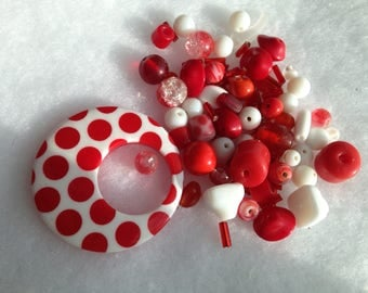 Bead lot / Pendant and Beads in Red and White