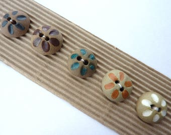 5 x Domed, Ceramic Buttons With Flower Motif