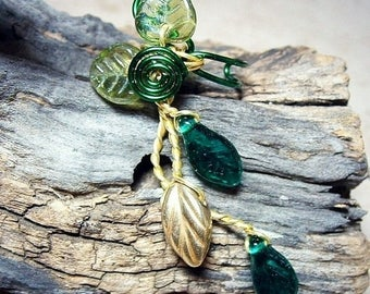 ON SALE Ear Cuff Woodland Fairy Ear Climber, No Piercing Spring Green Boho Forest Fantasy Ear Vine