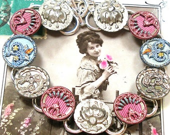 """French BUTTON bracelet, Victorian flowers, 7.5"""". One of a kind button jewellery. Present gift."""