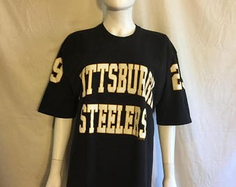 Closing Shop 40%off SALE Pittsburgh Steelers t shirt Russell Athletic   Large   90s Vintage