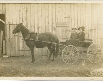 vintage photo 1920 Ma and Pa Ride horse and Buggy by the Barn RPPC