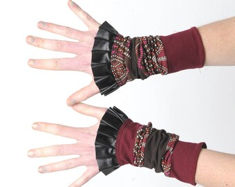 Crimson red cuffs, Red and brown cuffs, Patchwork jersey armwarmers, Ruffled wrist warmers, Gift for her, Womens accessories, MALAM