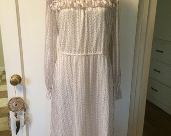 Vintage women's 1970's floral boho peasant hippie dress. Size M/L